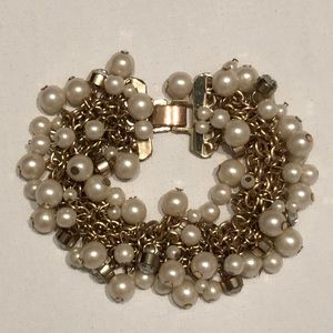 Faux pearl and rhinestone crystal clasped bracelet